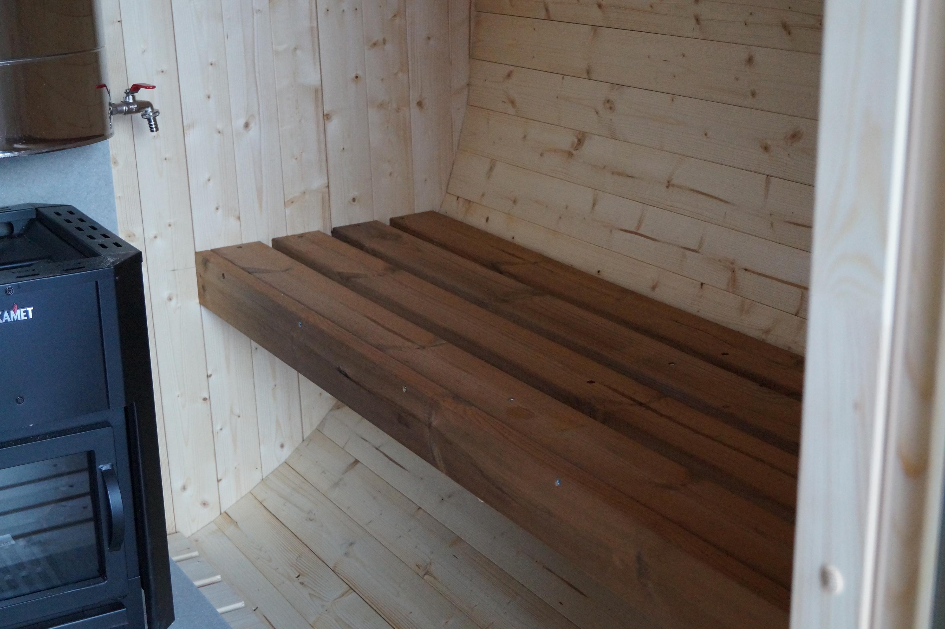 Lämpökäsitellyt lauteet saunaan normaalin tilalle